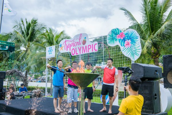 tour du lịch team building giúp các thành viên cởi mở và gần gũi
